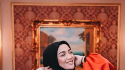 Kini usai Imel PC menikah dengan Sirajuddin Machmud, pejabat asal Balikpapan. Ia pun sedikit banyak mengurangi aktivitasnya di dunia hiburan. Ia pun kini juga telah dikaruniai dua orang anak. (Liputan6.com/IG/@imelpc)