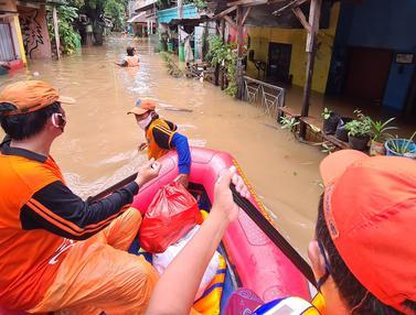 FOTO: Banjir 2 Meter Rendam Pondok Labu