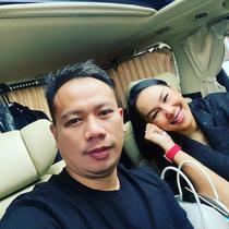 """""""Kalo yang kedua kebetulan berbarengan dengan salah satu HUT stasiun TV, hahaha. biasa lah ya (TV) yang di kuningan, masak aer (ANTV). Semua udah meeting, Alhamdulillah rejeki,"""" kata Vicky Prasetyo di kediamannya di Bekasi, Selasa (16/2/2021). (Instagram/vickyprasetyo777)"""