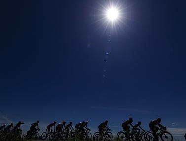FOTO: Momen-Momen Terbaik dan Indah dalam Tour Balap Sepeda Giro d'Italia 2021