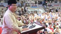 Prabowo pada saat Pembekalan Manggala Relawan, di Padepokan Pencak Silat TMII, Jakarta Timur, Jumat (15/3/2019).