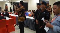 Rapat Pleno hari terakhir KPU Banten diwarnai interupsi. (Liputan6.com/Yandhi Deslatama)