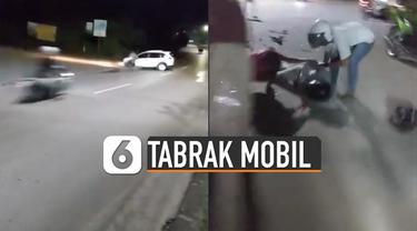 Motornya dan sebagian badan mobil hancur.