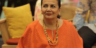 Christine Hakim, sebagai salah satu pemeran dalam film Kartini juga mendapat kesempatan mengisi acara untuk merayakan hari Kartini yang bertajuk Panggung Perempuan Kartini.  (Galih W. Satria/Bintang.com)