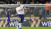 6. Toby Alderweireld - Bek tengah yang tengah naik daun bersama Hotspur. Dikabarkan United bersedia membeli pemain Belgia tersebut. Jika harganya cocok bukan tak mungkin Tottenham akan segera menjualnya. (AFP/Roland Harrison)