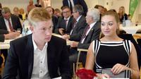Michele Lacroix, istri pemain Manchester City, Kevin de Bruyne (AFP/HOLGER HOLLEMANN)