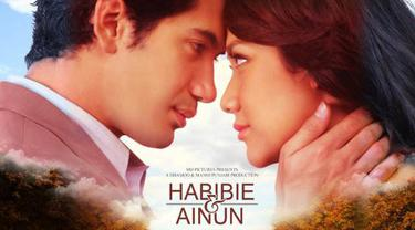 10 Kutipan Cinta Romantis Film Habibie Ainun Lifestyle Fimela Com