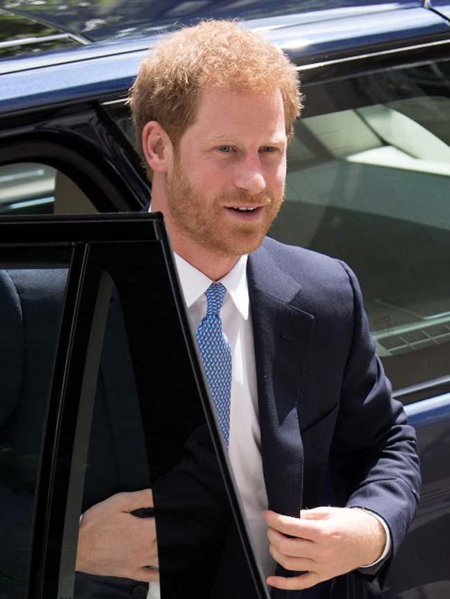 Sempat disiarkan, Kate Middleton akan melahirkan anaknya yang ke-3 pada April tahun 2018 mendatang. Dan kemungkinan pernikahan Meghan dan Pangeran Harry akan berlangsung setelah bulan April tahun 2018 nanti. (AFP)