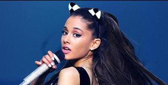 Ruangan serba hitam di belakang panggung, diminta Ariana Grande saat menggelar konser di Jakarta 26 Agustus mendatang.