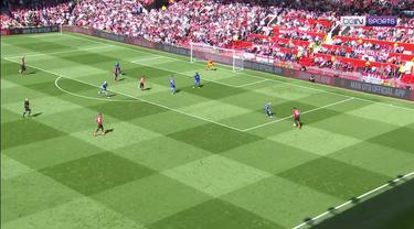 Berita video kekalahan memalukan ditelan Manchester United setelah ditaklukkan Cardiff dengan skor 0-2.