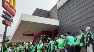 Antrean BTS Meal Membludak, Polisi dan Satgas Covid-19 di Serang Turun Tangan