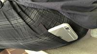 Tim tanggap darurat panggilan 911 mengeluhkan kebiasaan menempatkan telepon pintar di saku belakang celana yang malah merepotkan.