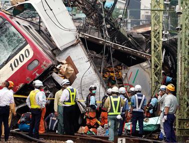 Kecelakaan Kereta dan Truk di Jepang, 35 Orang Terluka