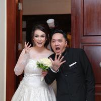 Feby Febiola dan Franky Sihombing resmi menikah. Hari ini, Jumat (22/1/2016) bertempat di Rumah Alexandra, Kemang, Jakarta Selatan. (Galih W Satria/Bintang.com)