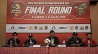 Sesi konferensi pers menjelang pertandingan final Piala Gubernur Kaltim antara Arema vs Sriwijaya FC. (Bola.com/Iwan Setiawan).