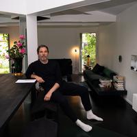 Realme menggandeng desainer internasional José Lévy menghasilkan teknologi bernilai seni/ Dok. realme