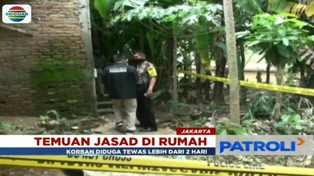 Guna kepentingan penyidikan jasad korban dibawa ke RS Polri Kramat Jati.