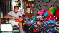 Mantan kiper Persija dan Borneo FC, Galih Sudaryono. (Bola.com/Vincentius Atmaja)
