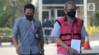 Mantan Dirut PT Danareksa Sekurita, Marciano Herdondrie Herman berjalan masuk akan menjalani pemeriksaan oleh tim penyidik dari Kejaksaan Agung di Gedung KPK, Jakarta, Kamis (25/6/2020). (merdeka.com/Dwi Narwoko)