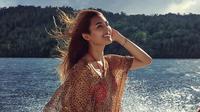 Maria Selena kerap mengunggah foto saat ia sedang berlibur. Terkadang ia memperlihatkan bentuk badannya yang aduhai. (Foto: instagram.com/mariaselena_)