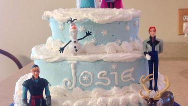 Lucunya Model Kue Ulang Tahun Princess Frozen Disney