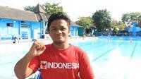 """""""Saya belajar renang dari sungai."""" Itulah pengakuan Mulyadi saat dijumpai di kolam renang Kartasura, Solo waktu lalu"""