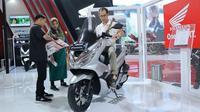 Honda PCX Jadi Buruan Konsumen di IIMS 2o19 (AHM)