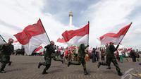 Warna merah putih melambangkan keberanian masyarakat Indonesia dalam peperangan untuk memerdekakan negara Indonesia