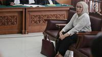 Terdakwa penyebaran berita bohong atau hoaks Ratna Sarumpaet menjalani sidang lanjutan di PN Jakarta Selatan, Jakarta, Kamis (9/5/2019). Ratna Sarumpaet menghadirkan dua saksi ahli dan seorang psikiater. (Liputan6.com/Faizal Fanani)