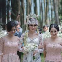 Syahnaz Sadiqah, Nisya Ahmad dan Nagita Slavina dalam sentuhan makeup flawless. (Instagram/nissyaa).