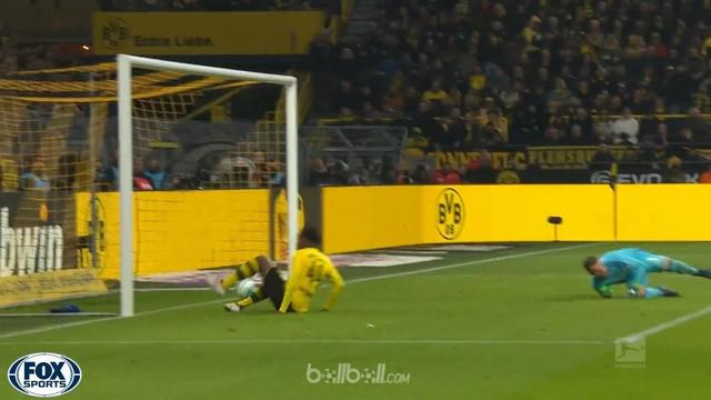 Berita video Michy Bashuayi mencetak gol pada laga Borussia Dortmund vs Hamburg 2-0 di Bundesliga. This video presented by BallBall.
