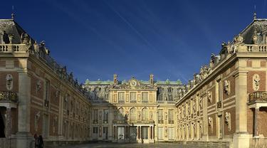Istana Versailles
