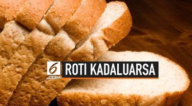 Jangan sepelekan manfaat roti yang sudah kadaluarsa. Roti ini dapat membantu beberapa pekerjaan rumah mulai dari menghilangkan noda pada dinding hingga mengangkat pecahan kaca.