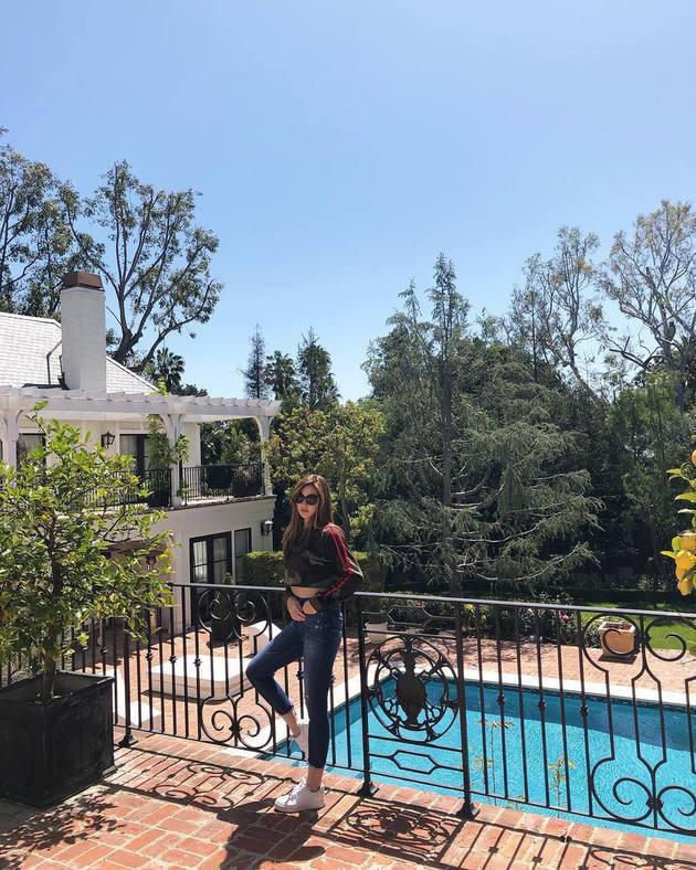 Beberapa hari yang lalu hot mom cantik Nia Ramadhani kedapatan mengunggah fotonya di Beverly Hills, California. Ternyata ia berniat untuk menghadiri event musik terbesar yang bertajuk Coachella./Copyright instagram/ramadhaniabakrie