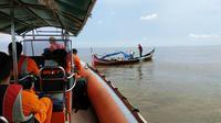 BPBD dan Basarnas mencari nelayan tersambar petir di Kecamatan Tanah Merah, Indragiri Hilir.