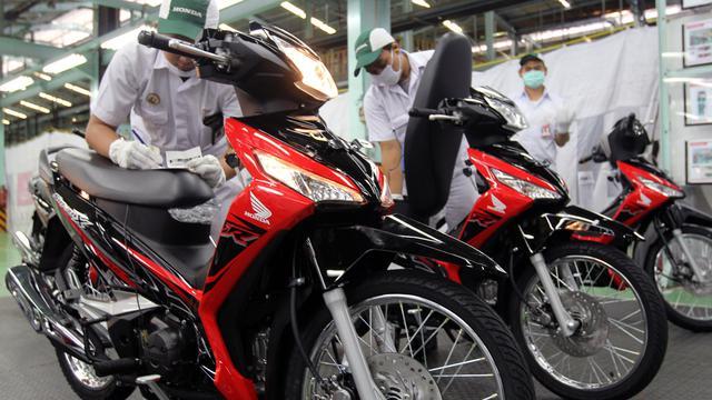 Perbedaan Honda Supra X 125 Fi dengan Supra X Helm In da29da84a5
