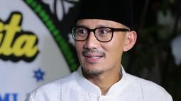 """Menurut Sandiaga Uno, semasa hidup almarhum dikenal sebagai pengusaha yang ulet dan disiplin. """"Saya kenal dia sebagai pengusaha di Kalsel. Beliau pengusaha yang gigih dan disiplin,"""" ujarnya. (Adrian Putra/Bintang.com)"""