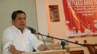 Wakil Ketua DPR RI, Fahri Hamzah saat menjadi pembicara kunci pada diskusi refleksi awal tahun di Jakarta, Selasa (12/1/2016). Diskusi membahas Evaluasi Kritis, Sepak terjang PT Freeport Mengelola Tambang di Indonesia. (Liputan6.com/Helmi Fithriansyah)