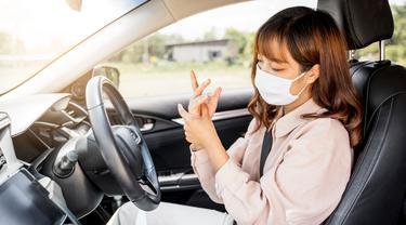 Life Skill yang Wajib Dimiliki Perempuan yang Sering Menyetir Mobil Sendiri