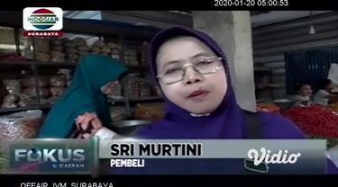 Cuaca ekstrim tingginya curah hujan yang berdampak pada menipisnya persediaan, membuat harga cabai rawit di pasar tradisional di Magetan, Jawa Timur, terus mengalami kenaikan.
