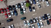 Barry Beavis menuntut parlemen untuk membuat aturan tentang pembatasan biaya parkir di Inggris.