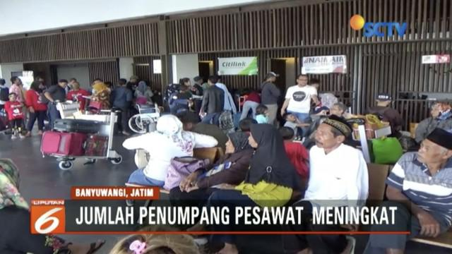 Imbas erupsi Gunung Agung, penumpang pesawat asal Bali dengan tujuan penerbangan Surabaya dan Jakarta memilih terbang dari Bandara Banyuwangi, Jawa Timur.