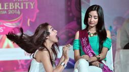 Para peserta juga beradu akting dengan Miss Celebrity 2013 Shinta Rizky Auliyah alias Chacha, Jakarta, (21/9/14). (Liputan6.com/Miftahul Hayat)