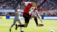 Kevin Diks ketika tampil bersama Feyenoord menghadapi FC Twente pada 13 Agustus 2017. (Olaf KRAAK / ANP / AFP)
