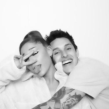 Resmi Menikah, Ini 6 Potret Mesra Ariana Grande dan Dalton Gomez