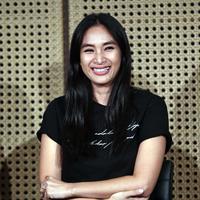 """""""Berarti gubernur baru ya yang nutup. Ya sesuai janjinya kan, ya bagus berati apa yg dijanjikan ya semoga untuk kemaslahatan semua,"""" kata Happy Salma. (Deki Prayoga/Bintang.com)"""