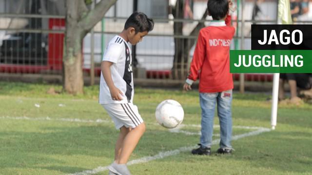 Berita video seorang bocah bernama Diego Aslan menarik perhatian saat Timnas Indonesia U-22 melakukan internal game. Anak berusia 8 tahun ini bisa juggling sampai ribuan kali.