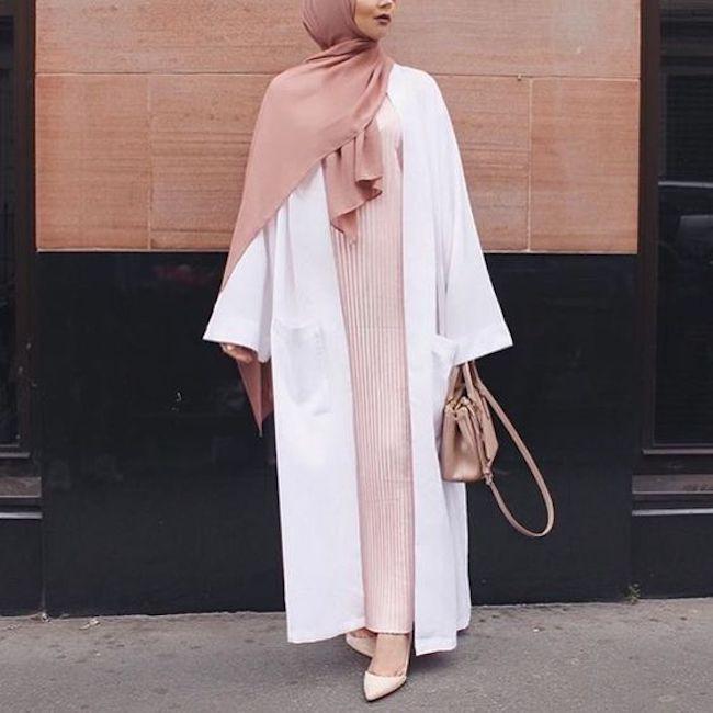 Padu padan abaya untuk busana kantor. (sumber foto: instagram.com/pinterest)