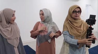 The Sungkars bersama Dewi Sandara