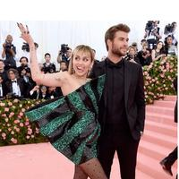 Miley Cyrus dan Liam Hemsworth (Sumber:Instagram/liamhemsworth